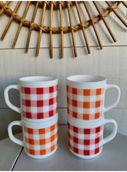 4 mugs vintage